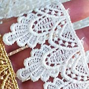 Ivory 1-3/4 Inch Fancy Venice Lace