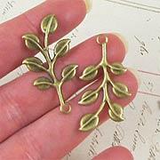 20mm Leaf Sprigs*