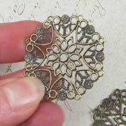 35mm Round Flower Filigree