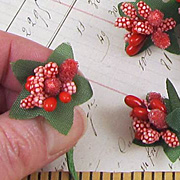 Fancy Red Holly Berries Mix**