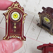 Mini Faux-Wood Mantel Clock