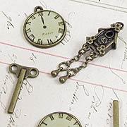 Mini Clock and Winding Key Set