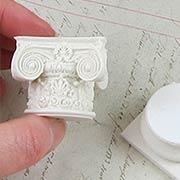 White Resin Column Set