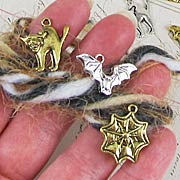 *Halloween Charms FREE Gift Kit