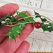 Holly Berry Garland*