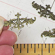 Fancy Leaf Header Filigree*