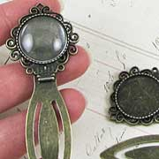 Bronze Bookmark with Round Setting*