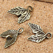 Twisted Leaf Pair Charm*